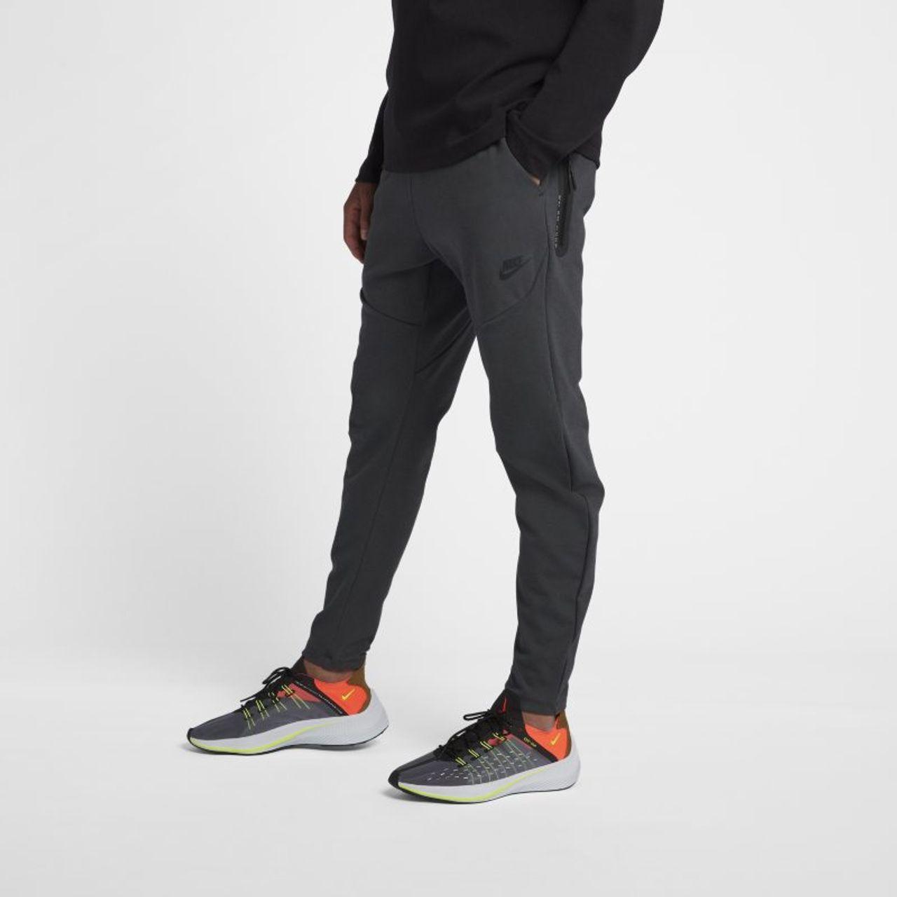 aaa91915771 Nike Sportswear Tech Pack Herenbroek - Zwart 928575-060 - Vergelijk prijzen