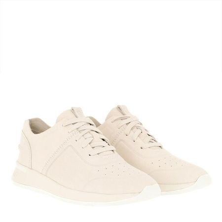 UGG Sneakers - Adaleen Shoe in wit